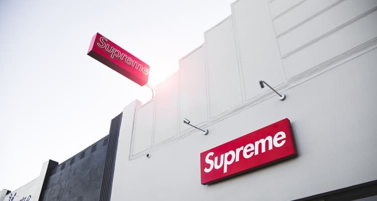 Supreme Laptop Wallpaper